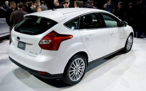 2013 ford focus 300x187 Yeni Ford Focus